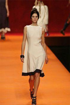 Hermès Spring 2008 Ready-to-Wear Fashion Show - Alexandra Tomlinson (NATHALIE)
