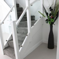 glass staircase with prefinished white posts and rails – Home Renovation Interior Stair Railing, White Staircase, House Staircase, Staircase Railings, Modern Staircase, Staircase Design, Banisters, Staircase Glass, Banister Ideas