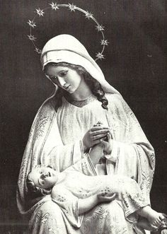 Mater Divinae Providentiae A Spanish statue of Mary as the Mother of Divine Providence. Mary I, Mary And Jesus, Holy Mary, Blessed Mother Mary, Blessed Virgin Mary, Catholic Art, Catholic Saints, Roman Catholic, Religious Icons