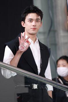 Asian Boys, Leo, Drama, Actors, Chinese, Asian Guys, Dramas, Drama Theater, Lion