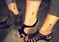 23 Popular Mother - Daughter Tattoos: #7. STYLISH TRIANGULAR TATTOO DESIGNS; #tattoos