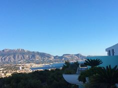Beauty of our area: Perfect #christmas warm weather #detox #spa #clinic 2h20m from London.Really does have a micro climate @shawellness