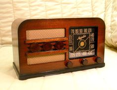 Old Antique Wood Majestic Vintage Tube Radio - Restored & Working Deco Table Top. eBay auction ends tonight at 10:30 PM eastern!