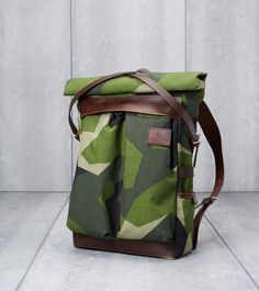 Atelier de L'Armee's Flight Pack Uses Deadstock Swedish Camo Camo Bag, Army Camouflage, Bags Online Shopping, Backpack Bags, Camo Backpack, Fashion Bags, Women's Fashion, Bag Making, Bag Accessories