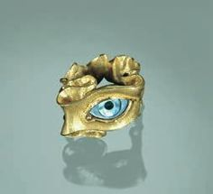 Kevin Coates- Ring, 1999 / 20ct. gold, mother-of-pearl / W. 25 mm /