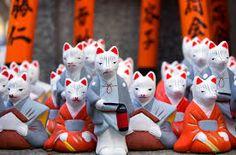 fushimi inari taisha kyoto 1910 - Buscar con Google Fushimi Inari Taisha, Kyoto, Snowman, Japan, Holiday Decor, Outdoor Decor, Home Decor, Google, Homemade Home Decor