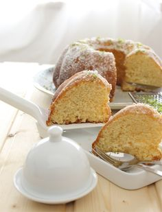 Yogurt and lime bundt