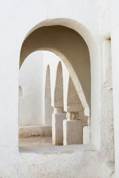 """Umran Mosque"" - Berber architecture Oasis town of Ghadames Libya Photo by Charles O. Architecture Details, Interior Architecture, Interior And Exterior, Islamic Architecture, Parisian Architecture, Interior Design, Pintura Exterior, A Well Traveled Woman, Casa Patio"
