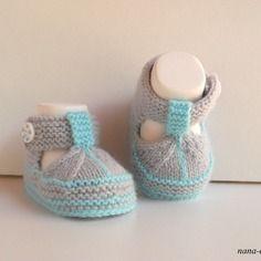 Chaussons bébé tricot fait main, naissance à 3 mois.blanc,bleu turquoise et gris layette