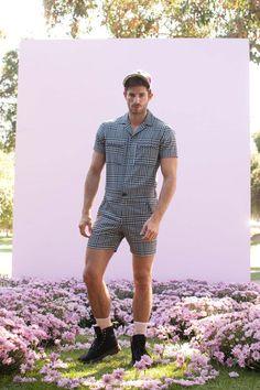 Trina Turk Spring 2018 Ready-to-Wear Fashion Show Collection Lakme Fashion Week, Men's Fashion, Fashion Show, Male Fashion Clothes, Fashion Trends, Latex Fashion, Fashion Vintage, Gothic Fashion, Men Looks