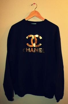 1000 images about chanel on pinterest sweatshirts the white and sweaters. Black Bedroom Furniture Sets. Home Design Ideas