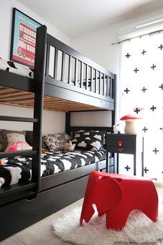 Une chambre d'enfant noir et blanc - Pöm- Hëllø Blogzine @helloblogzine