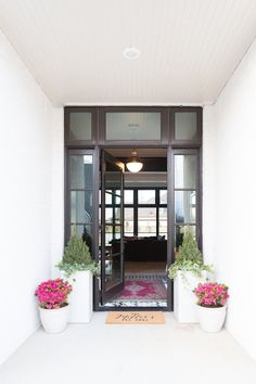 Need ideas on how to incorporate outdoor modern home decor for Spring? We are sharing our Spring front porch as part of the Styled For Spring Home Tour.
