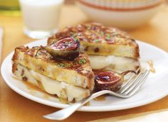 This is the French Toast Grilled Cheese recipe. All You Need Is, Brunch Recipes, Breakfast Recipes, Dessert Recipes, Food In French, Roasted Figs, Grilled Cheese Recipes, Popular Recipes, French Toast