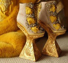 Guo Pei  haute couture  fall 2010