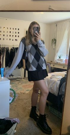 Indie Outfits, 70s Outfits, Cute Girl Outfits, Cute Casual Outfits, Grunge Outfits, Vintage Outfits, Fashion Outfits, Preppy Outfits For School, School Uniform Outfits