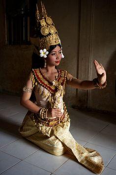 8102ed2f4 Apsara dancer, Cambodia Tribal Images, Cambodian Food, Khmer Empire, Royal  Ballet,