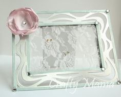 DIY earring holder - perfect for earrings that won't hang! Diy Earring Holder, Jewelry Holder, Old Picture Frames, Keep Jewelry, Jewelry Boards, Some Ideas, Crafty Craft, Diy Earrings, Fun Crafts