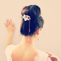 Peigne à cheveux mariage - fleurs de cerisier - bronze et blanc et perles de cristal violine. : Accessoires coiffure par mes-tites-lilis