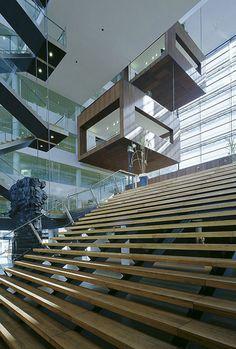Suspended_Meeting_Room_at_Christal_Building_Schmidt_Hammer_Lassen_Architect_CubeME2