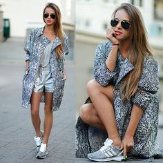 that silver pants and shoes. Tomboy Fashion, Love Fashion, Fashion Styles, Girls Sneakers, Her Style, Casual Chic, Fitness Fashion, Casual Outfits, Dresses For Work