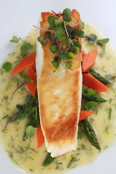 Nutritious Snack Tips For Equally Young Ones And Adults Pan Seared Halibut With Lemon Dill Sauce - Tender Golden Filets Are Sauted And Served With A Luscious French Lemon Dill Beurre Blanc Sauce Fish Dishes, Seafood Dishes, Fish And Seafood, Seafood Recipes, Cooking Recipes, Healthy Recipes, Pan Seared Halibut Recipes, Cocina Light, Lemon Dill Sauce
