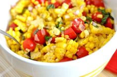 Party Summer Salads To Amaze Your Guests Summer Corn Salad Save Print Author: Mel Recipe type: Main Course Cuisine: American Ingredients 6 ears of corn, shucked ½ cup finely diced red onion 1 cup cherry tomatoes, sliced in half Side Dishes For Chicken, Summer Side Dishes, Corn Salad Recipes, Corn Salads, Summer Corn Salad, Summer Salads, Summer Food, Vinaigrette, Cooking Recipes
