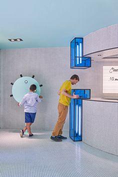 Masquespacio Creates an Interactive Concept Store for RUBIO - Design Milk Design Shop, Display Design, Cafe Design, Booth Design, Store Design, Interior Design, Wayfinding Signage, Signage Design, Shop Interiors