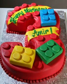 Image from http://briff.me/wp-content/uploads/2014/11/Lego-Cake-13-Birthday-Clssic-Idea.jpg.
