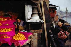 Black and white pictures were popular when Raghubir Singh started out as a photographer. But he insisted on color. A new retrospective shows his ground-breaking work.