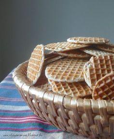 Az áfonya mámora: Sajtos tallér Cookie Decorating, Biscuits, Basket, Bread, Cookies, Recipes, Food, Drinks, Crack Crackers