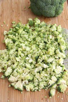 Kremet brokkolisalat med sprøstekt bacon - My Little Kitchen Little Kitchen, Avocado Toast, Tapas, Bacon, Food And Drink, Breakfast, Food Food, Drinks, Crafts