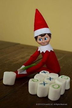 Are you looking for some awesome Elf on the Shelf Ideas??? Check out these great ideas!