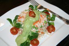 Blumenkohl-Reis mit Möhren und Erbsen und Cashew-Ingwer-Creme