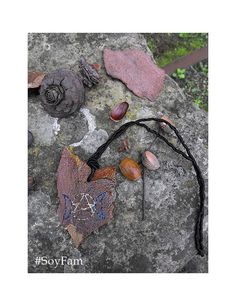 Sale 10% Triple Moon Goddess Necklace wiccan jewelry por FamDdaear
