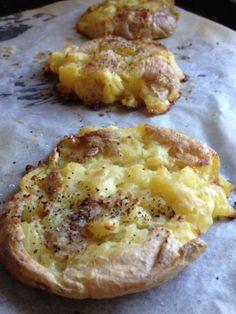 patate schiacciate con la buccia (aggiungere porri, pancetta e ricotta?)