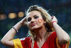 Galatasarayın Dişi Aslanları – Taraftar Kızlar