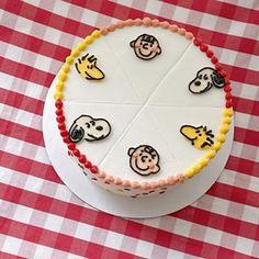 Small Birthday Cakes, Pretty Birthday Cakes, Pretty Cakes, Cute Cakes, Mini Breakfast Food, Korean Cake, Beautiful Desserts, Painted Cakes, Let Them Eat Cake