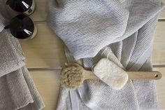Lapuan Kankureiden pellavia meidän saunassa ja arvontamuistutus Napkin Rings, Knitted Hats, Winter Hats, Knitting, Projects, Decor, Log Projects, Tricot, Breien