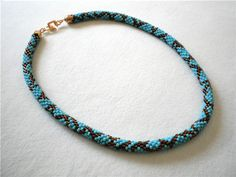 Free pattern...one of these days I am going to learn how to do bead crochet!