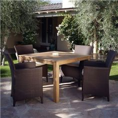 Vieques 4-seat Square Dining Set