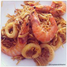 Receta de fideuá fácil de Gandía Paella, Shrimp, Meals, Dishes, Food, Aioli, Meal, Tablewares, Essen
