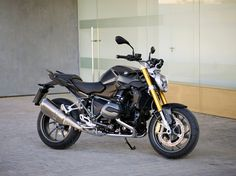 2015 BMW R 1200 R: The Roadster's Back