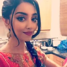 HAHA SANGEET TIMEEEE! Follow me on snapchat guys: RUMENA_101 gonna go mental with the family love you all! ❤️❤️❤️ Rumena Begum, Asian Makeup, Party Wear, Makeup Looks, Hair Beauty, Make Up, Girly Pictures, Skin Care, Photo And Video