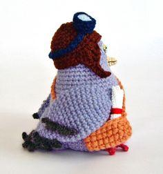 Ksenia Designon Etsy sells a cute #crochet messenger pigeon pattern