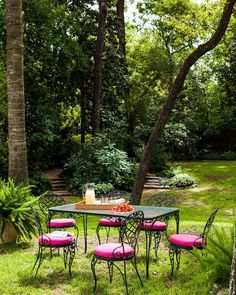 Garden state. | Photo: @ericpiasecki Design: @jrandallpowers by elledecor