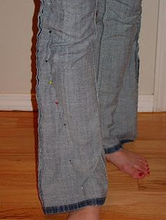 DIY skinny jeans so smart for those of us short girls who can never find true skinny jeans!! (my ankles are in normal calf territory.)