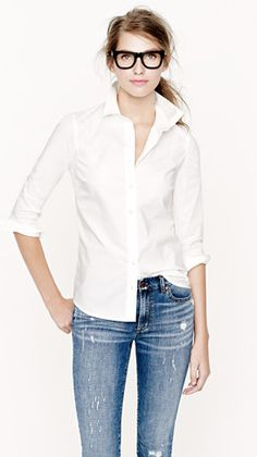 White shirt & jeans- perfection.  Need to get busy and make myself a nice basic white shirt.