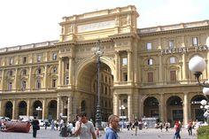 Piazza della Repubblica, Firenze by Old Fogey 1942, via Flickr