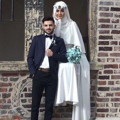 Hijabi Wedding, Muslimah Wedding Dress, Muslim Wedding Dresses, Disney Wedding Dresses, Muslim Brides, Muslim Couples, Wedding Gowns, Wedding Cakes, Bridal Hijab